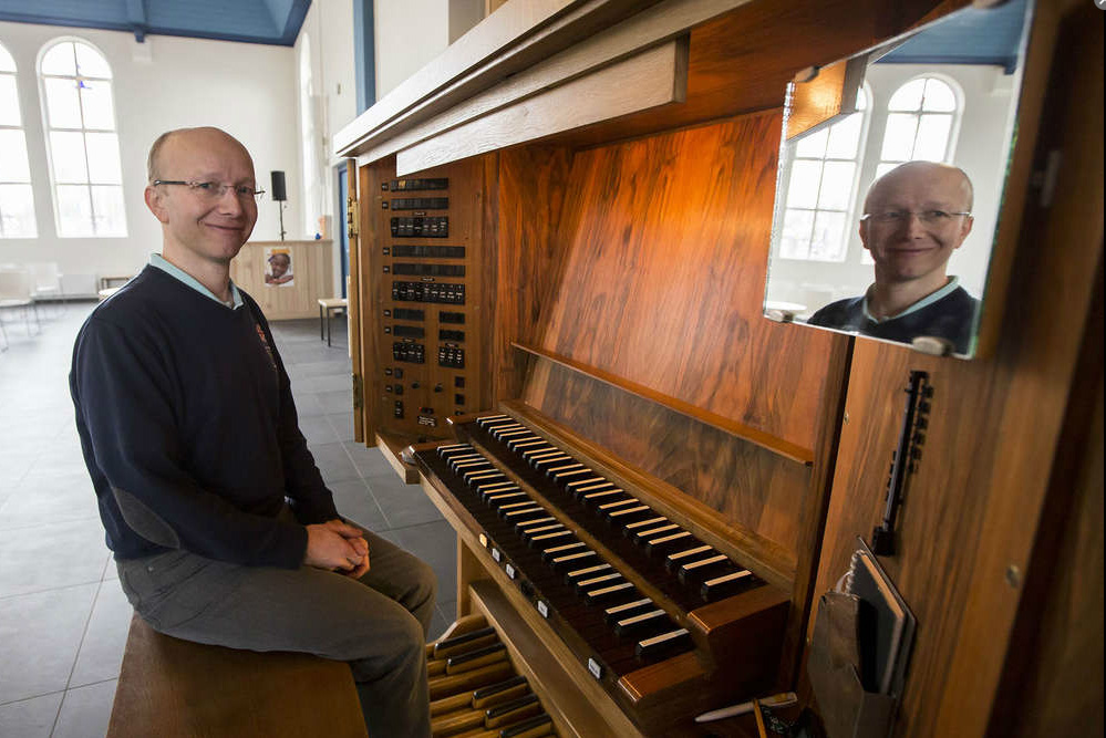 171227 Alexander Prtins met zelf gecomponeerde cantate
