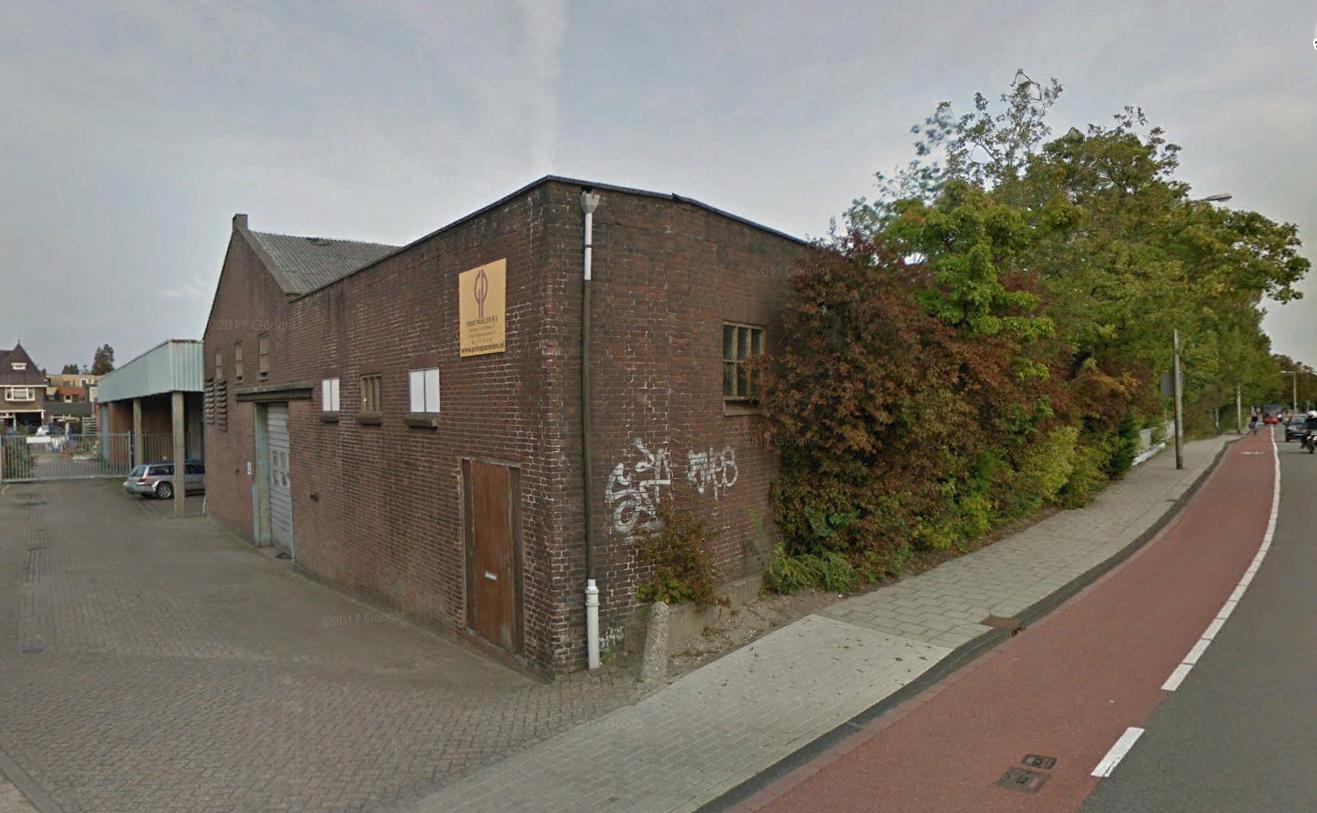 De voormalige kstenfabriek van Kuivenhovem in Naaldwijk; inmiddels is het gebouw gesloopt